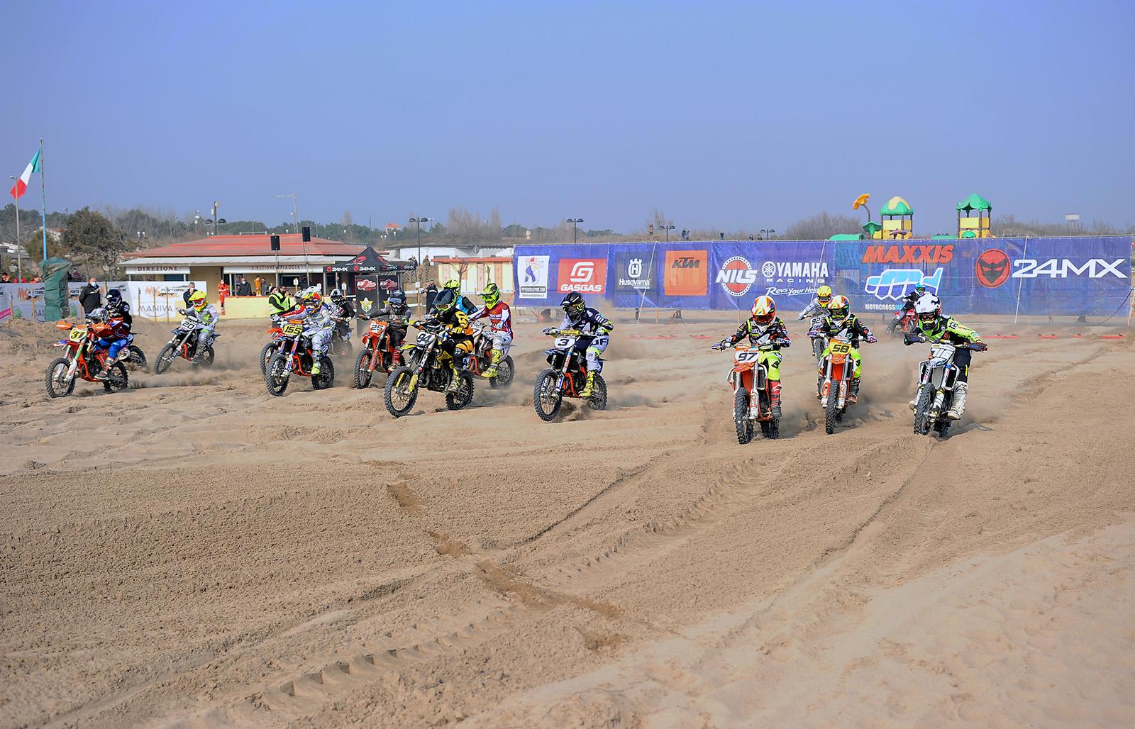 Partenza minicross - ph. Roberto Grande